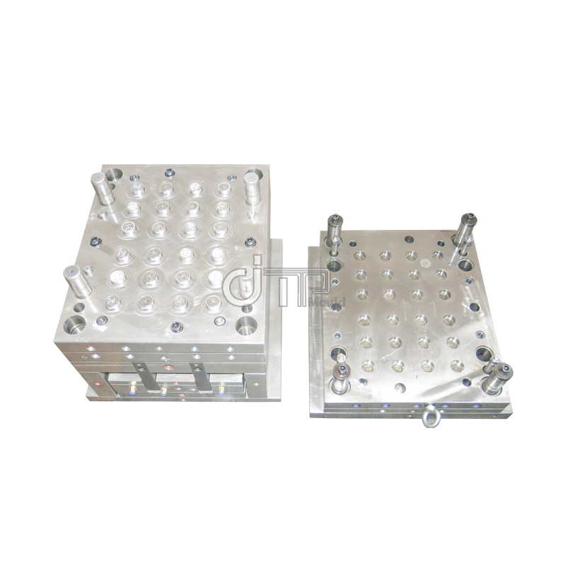 How to ensure the high precision requirements of medical molds?